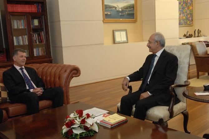 Kılıçdaroğlu, İngiltere Büyükelçisi Moore'u Kabul Etti