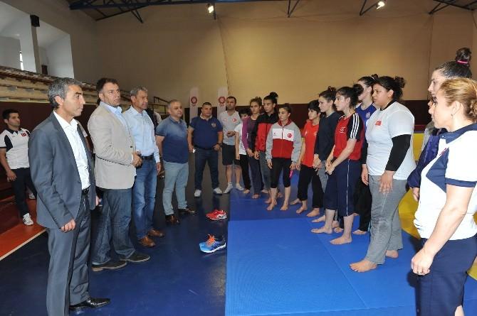 Judo Federasyonu Başkanı Uysal'dan Judo Ümit Milli Takım Kampı'na Ziyaret