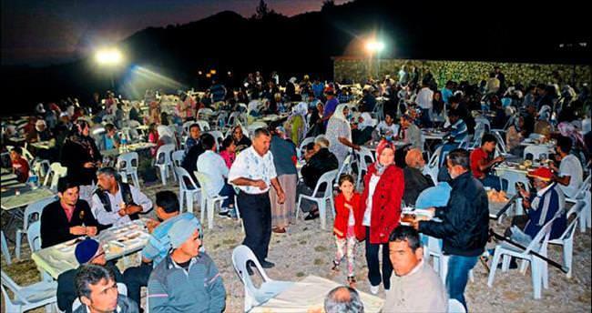 Karaağaç'taki iftar yoğun ilgi gördü