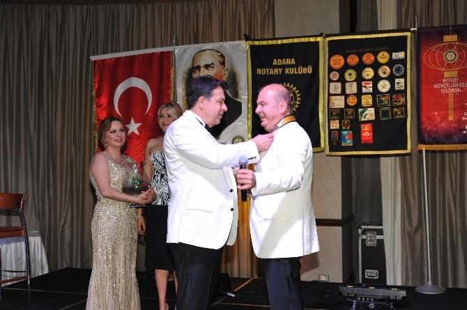 Adana Rotay Kulübü'nde Devir-teslim