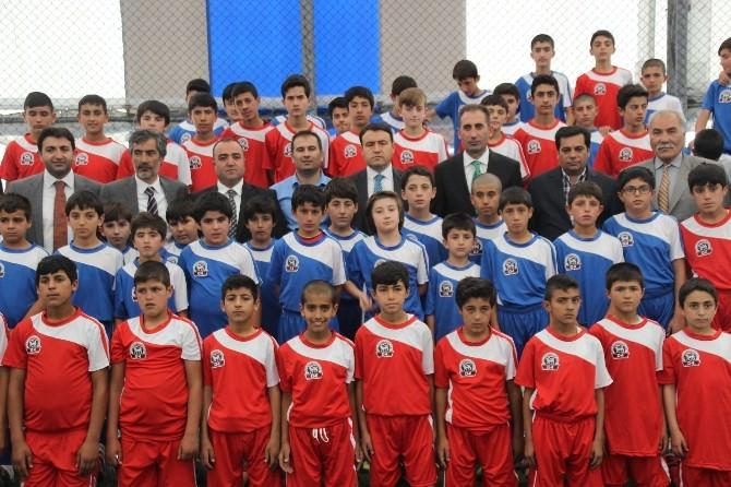 Ağrı'da Yaz Spor Okullar��na Malzeme Dağıtılacak