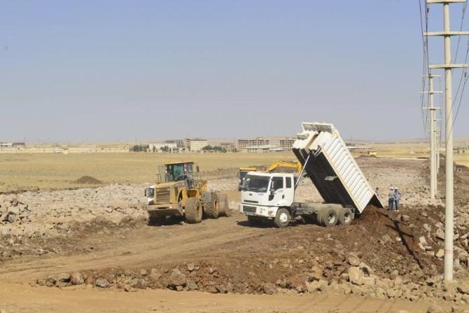 Diyarbakrı Büyükşhir Belediyesi Yol Çalışmalarını Hızlandırdı