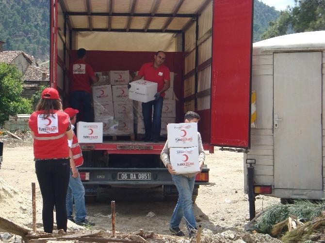 Türk Kızılayı'ndan Sel Felaketi Yaşanan Tozman Köyüne Gıda Yardımı