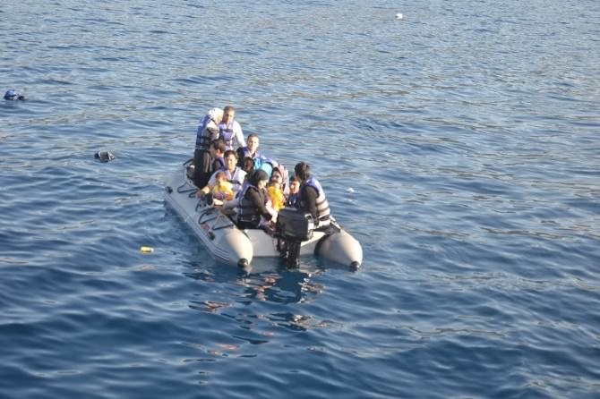 Sığınmacılar Kaçıyor Sahil Güvenlik Faciayı Önlüyor
