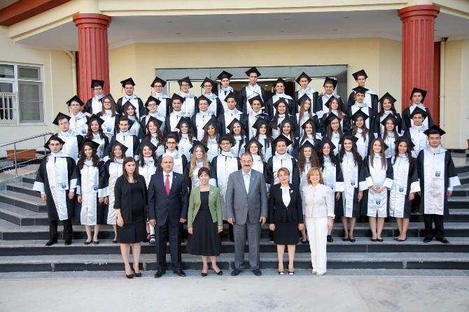 Özel Sanko Koleji'nde Mezuniyet Mutluluğu