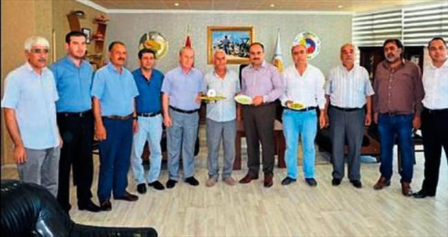 Gaziantep'te ilk boz fıstık hasadına ödül