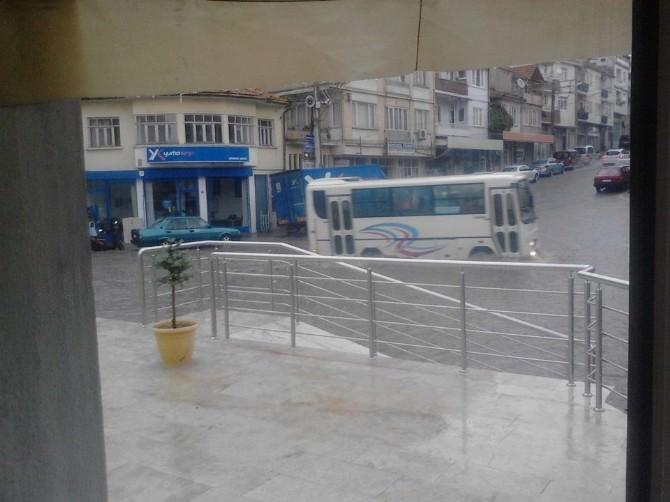 Demirci'de Şiddetli Yağış