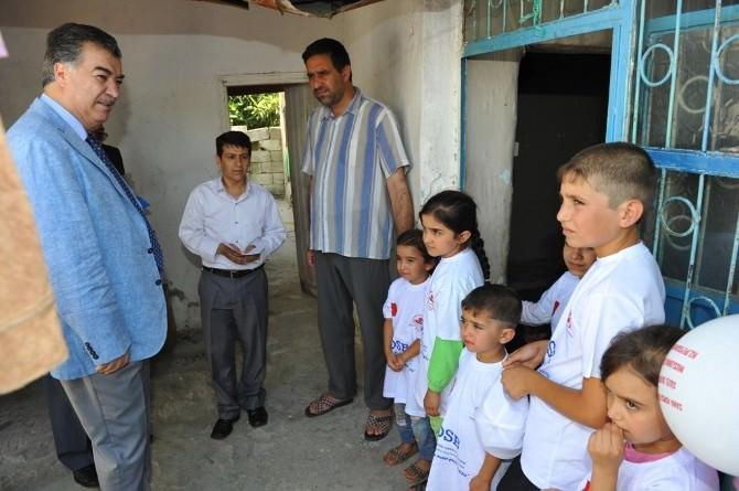 Osmaniye Valisi Kerem Al, Ramazan Ayında Yoksul Vatandaşları Evlerinde Ziyaret Ediyor