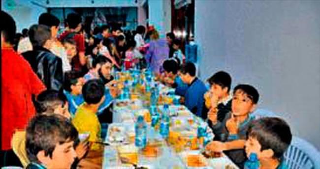 Çocuklar için iftar sofrası