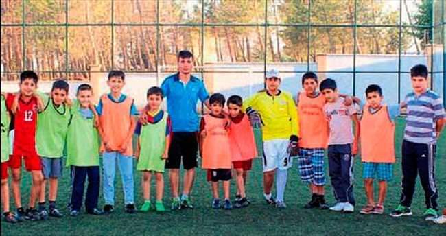Yavuzeli'nde futbol Yaz okulu açıldı