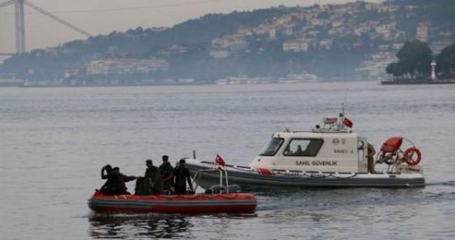 Tekne iskeleye çarptı: İki kişi kayıp