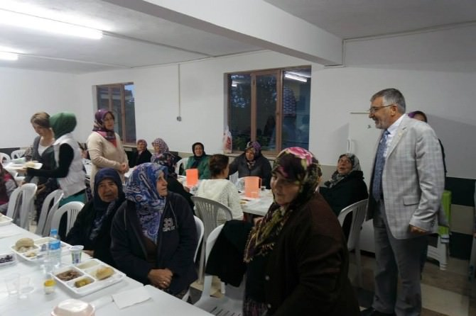 Kümbet Akpınarlılar İnönü Belediyesi'nin Sokak İftarında Buluştu