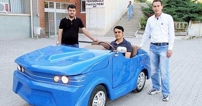 Harçlıklarıyla elektrikli otomobil ürettiler