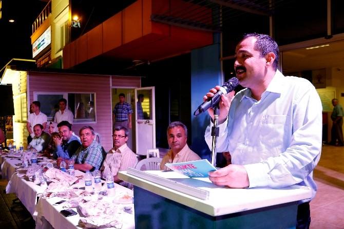 AK Partili'ler İftarda Bir Araya Geldi