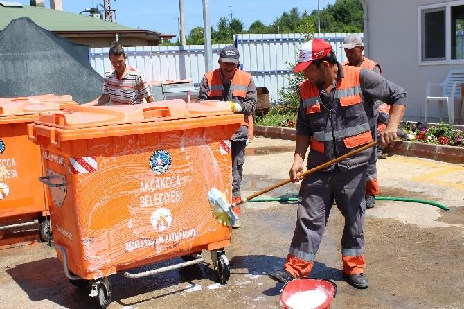 Mahallelerdeki Çöp Konteynerleri Dezenfekte Ediliyor