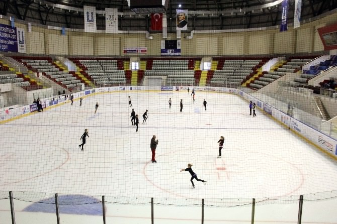 Geleceğin Buz Perileri Erzurum'da Yetişiyor