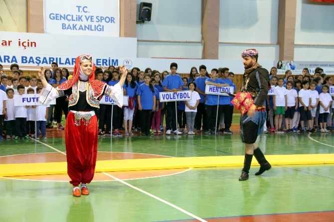 Nevşehir'de İl Spor Merkezlerinin Açılışı Yapıldı