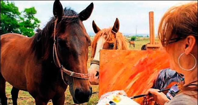 At resamı yeni sergisine hazırlanıyor
