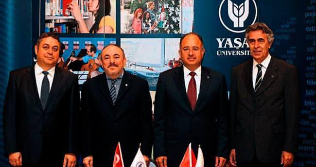 Yaşar Üniversitesi dünya ligi için kolarını sıvadı