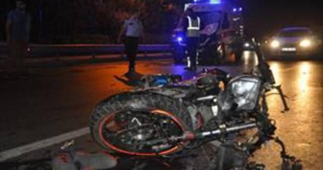 Ambulansla motosiklet çarpıştı