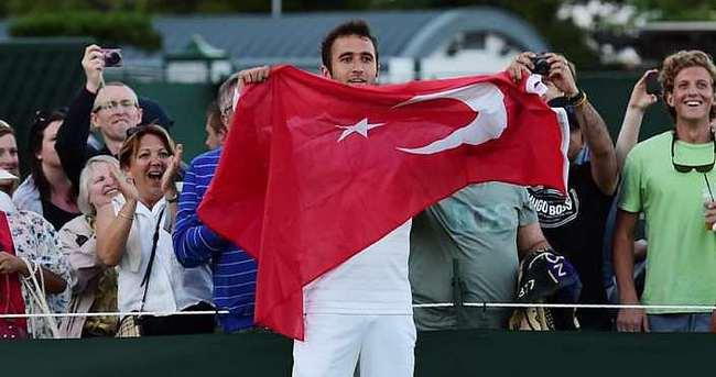 Marsel İlhan'dan Wimbledon'da dev galibiyet