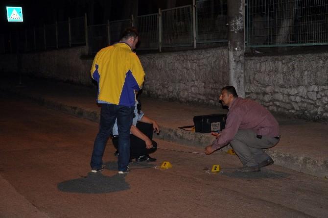 Bursa'da Maganda Kurşunu 2 Kişiyi Yaraladı