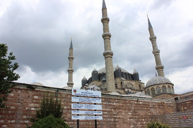 Selimiye'nin 'İncisi' Yeniden Kurşunlanıyor
