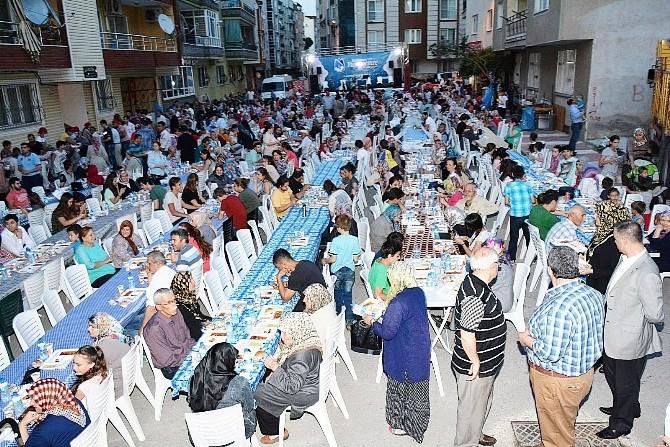 Başkan Çerçi 2 Bin Kişi İle İftarını Açtı