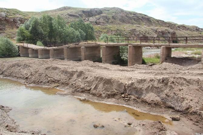 Ekinli Köprüsü'nün Yapımına Başlandı