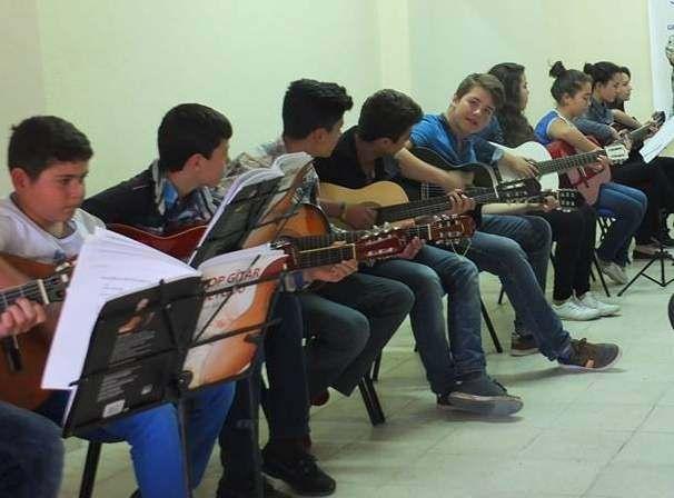 Yozgat Gençlik Merkezi Tarafından Açılan Bağlama Ve Gitar Kursu Yoğun İlgi Görüyor