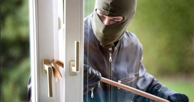 Hırsızı vatandaşlar yakaladı
