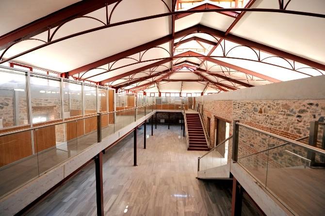Abdal Kültür Merkezi Göz Kamaştırıyor