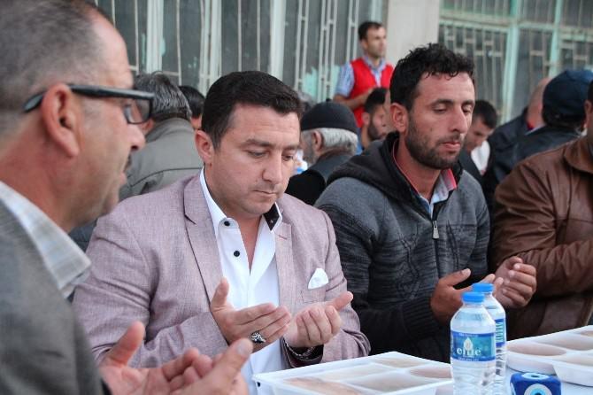Mahalle İftarları Sofralarının 7'ncisi Akpınar'da Kuruldu