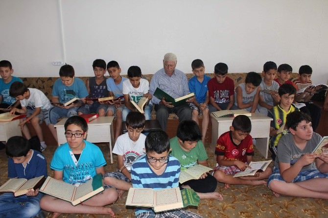 82 Yaşında Kur'an Okumayı Öğrendi