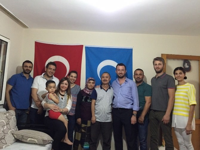 Magid'den Uygur Aileye Ziyaret