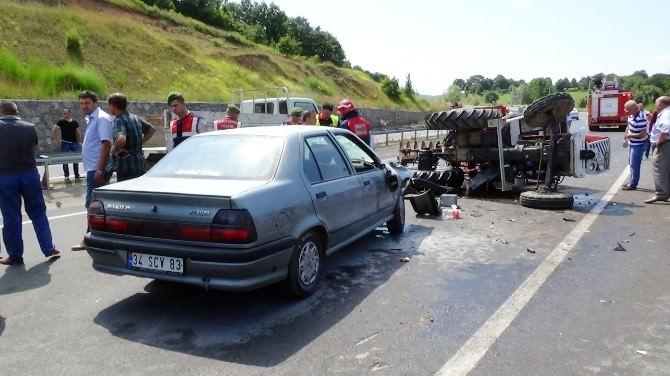 Sakarya'da Trafik Kazası: 3'si Çocuk 9 Yaralı