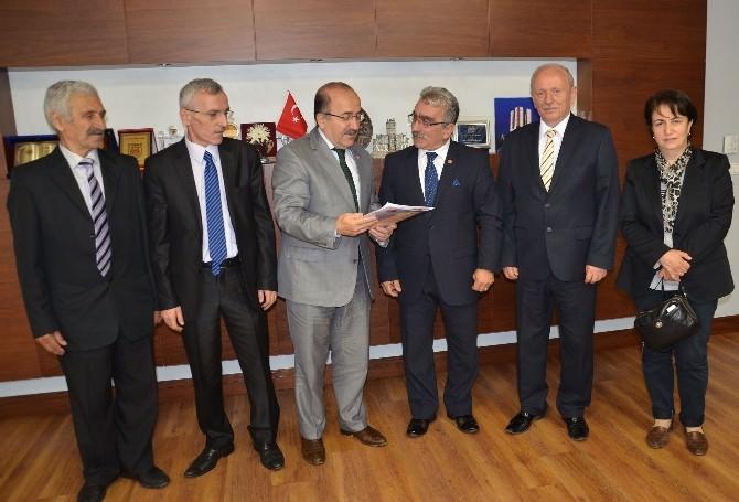 Emekliler Derneği'nden Başkan Gümrükçüoğlu'na Ziyaret