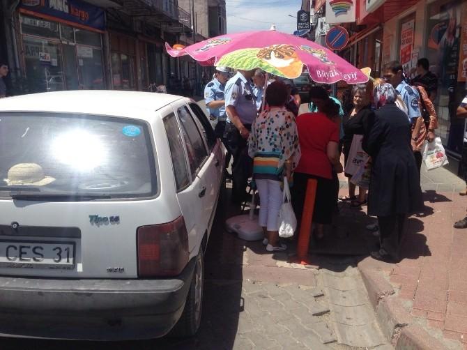 Yaşlı Kadın Otomobilin Altında Kaldı