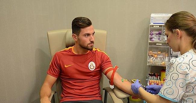 Galatasaraylı futbolcular sağlık kontrolünden geçti