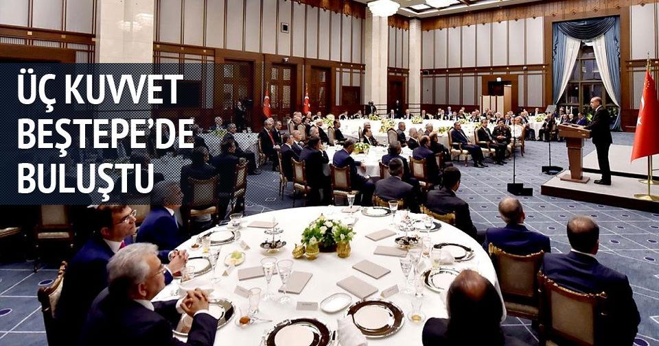 Erdoğan yasama, yürütme ve yargı temsilcilerine iftar verdi