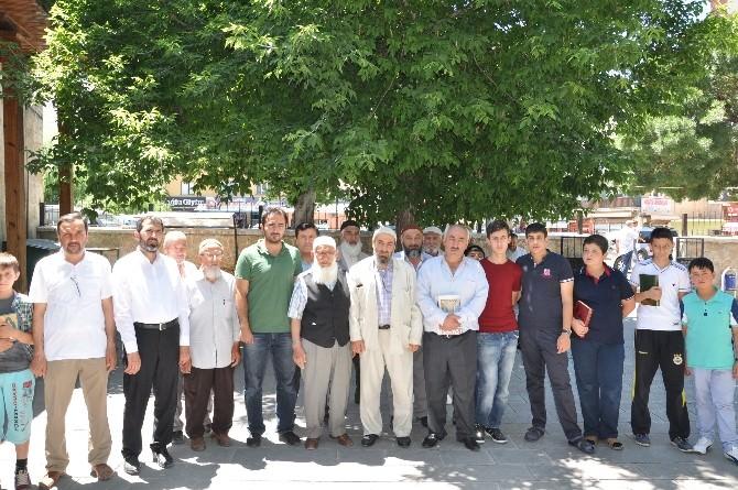 Anadolu Gençlik Derneği, Uygurlar İçin Gıyabi Cenaze Namazı Kıldı