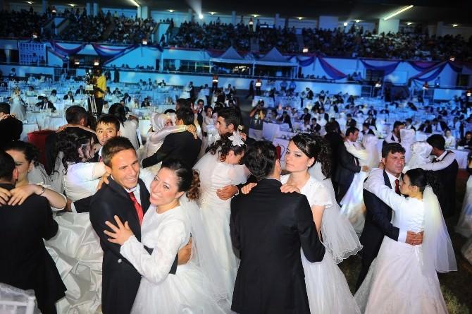 Büyükşehir, 2015 Yılında 215 Çifti Evlendirecek