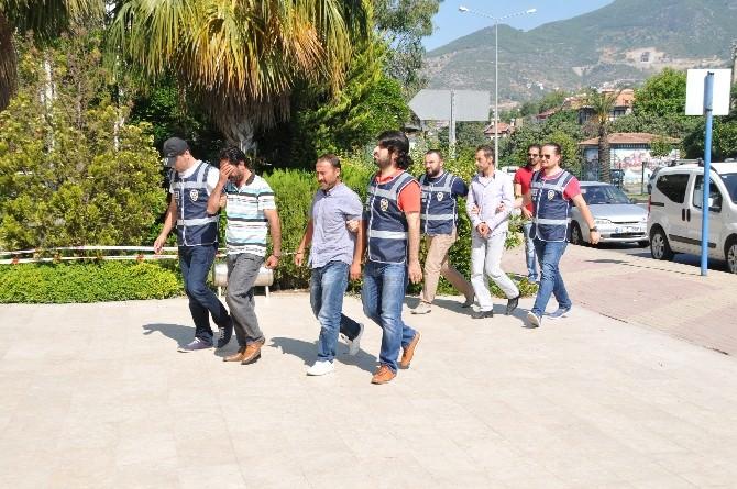 Alanya'da Uyuşturucu Sattığı İddia Edilen 3 Şüpheli Yakalandı