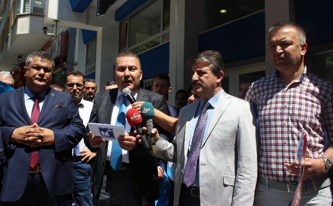 Asmmmo Çin'in Doğu Türkistan'a Yaptığı Zulmü Protesto Etti