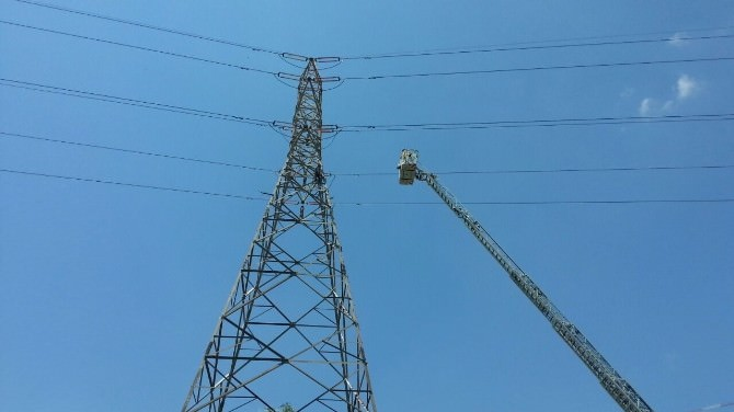 İzmir'in Elektriğini Kesen İntihar Girişimi