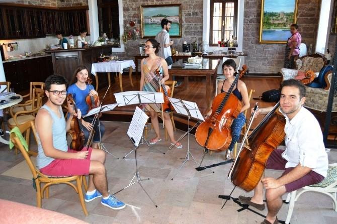 Ayvalık'ta Aima'nın 2015 Yaz Sezonu Konserleri Başlıyor