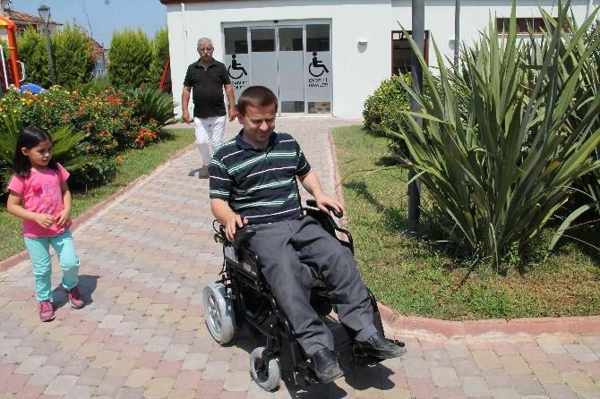 MS Hastası Rasih'in Tekerlekli Sandalye Sevinci