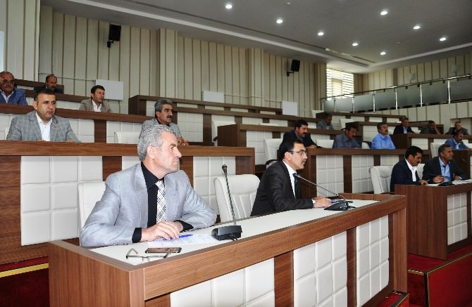 Muş İl Genel Meclisi, Kapanan Belediyelerin Borçlarını Açıkladı