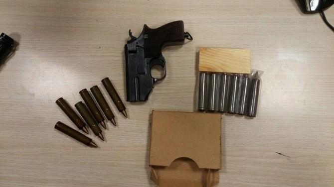 Sarp Sınır Kapısı'nda El Yapımı Suikast Silahı Ele Geçirildi
