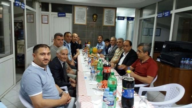 Gülüç Belediye Başkanı Demirtaş İftarını Karakolda Açtı